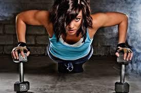 Bij sixpack trainen thuis kun als vrouw ook met gewichten werken