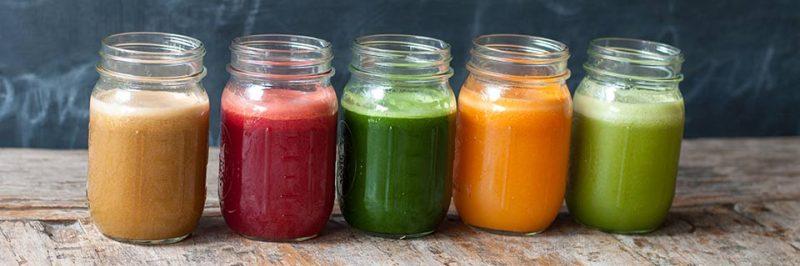 hoeveel val je af met groene smoothies, gekleurde smoothies in potjes